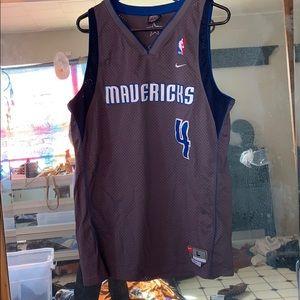Mavericks jersey number 4